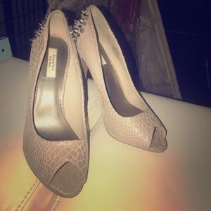 Simply Vera by Vera wang spiked heels size 8.5